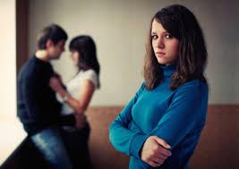 Chồng ngoại tình làm sao để ly hôn theo quy định của pháp luật – Luật 24H