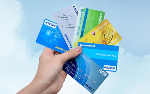 Thông tư 40/2011/TT-NHNN ngày 15 tháng 12 năm 2011 – Quy định về việc cấp giấy phép và tổ chức, hoạt động của ngân hàng thương mại, chi nhánh ngân hàng nước ngoài, văn phòng đại diện của tổ chức tín dụng nước ngoài, tổ chức nước ngoài khác có hoạt động ngân hàng tại Việt Nam