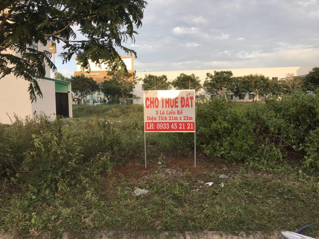 Đất đang tranh chấp có cho người khác thuê, mượn được không – Luật 24H