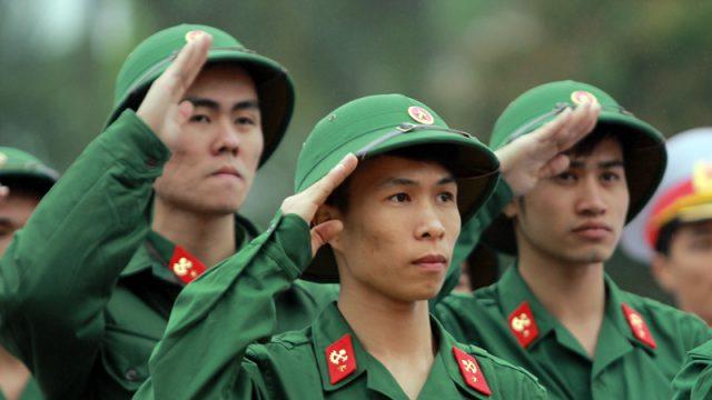 Đối tượng và độ tuổi đăng ký nghĩa vụ quân sự ? –  luật 24h