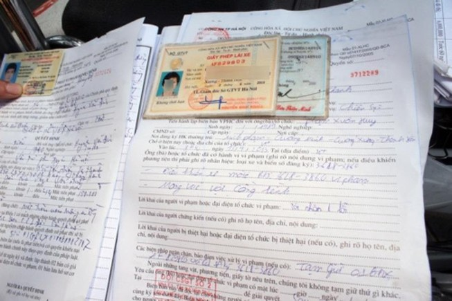 Biên bản xử phạt hành chính không có chữ ký của người vi phạm có được không – Luật 24H