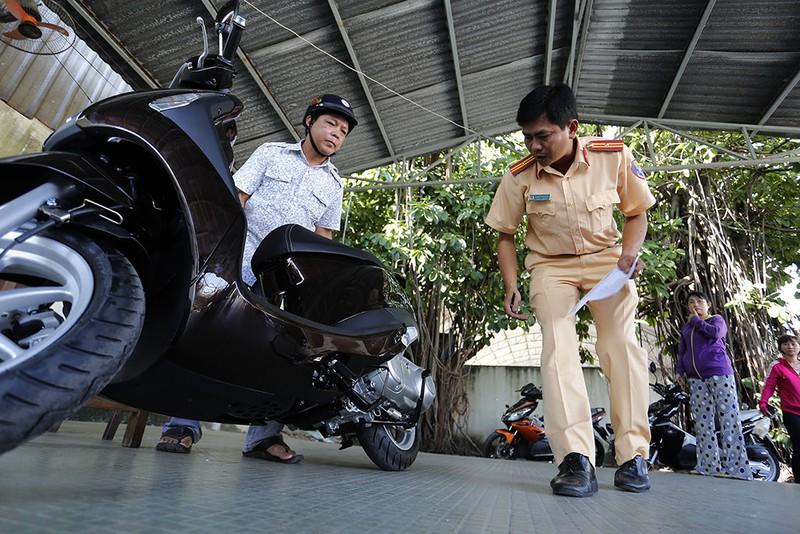 Thay phanh xe máy khác thiết kế ban đầu có bị phạt không – Luật 24H