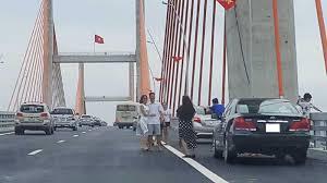 Xử phạt hành vi đỗ xe trên cầu theo quy định pháp luật – Luật 24H