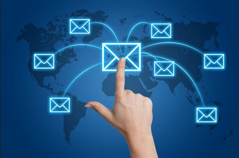 Tội xâm phạm thư tín? Xử lý hành vi xem trộm thư, tin nhắn facebook? – Luật 24h