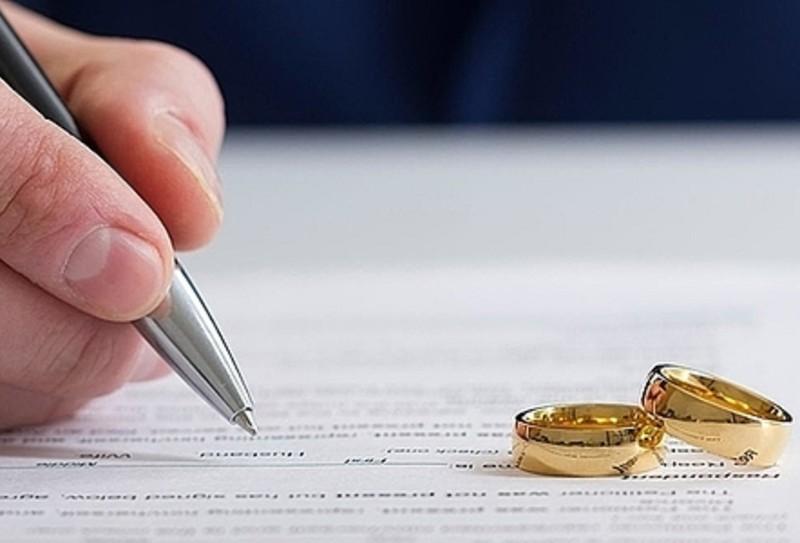 Hướng dẫn thủ tục và cách viết đơn ly hôn của tòa án thị xã Giá Rai