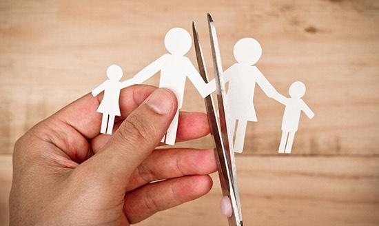 Cưỡng ép người khác ly hôn bị xử lý thế nào? – Luật 24h