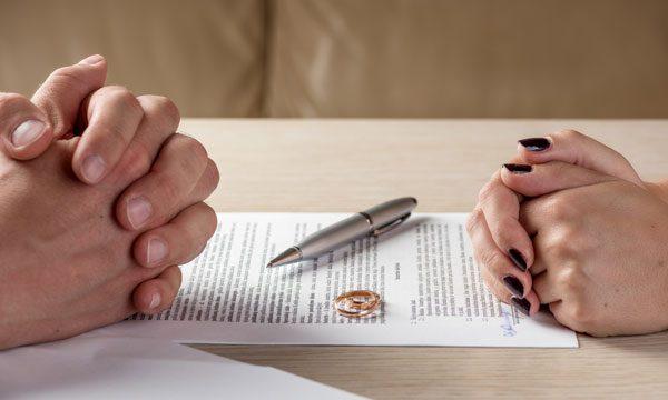 Thủ tục và quy trình giải quyết vụ án ly hôn của tòa án huyện Buôn Đôn – Luật 24h