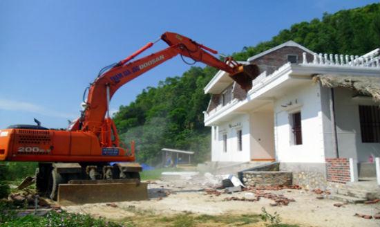 Công trình xây dựng trái phép có buộc phải tháo dỡ không – Luật 24h