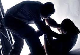 Xử lý hành vi cha mẹ xúc phạm danh dự nhân phẩm của con cái – luật 24h