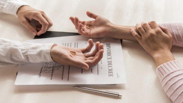 Hướng dẫn thủ tục và cách viết đơn ly hôn của tòa án huyện Trần Đề